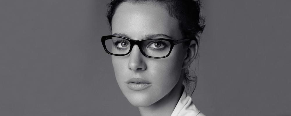 d02cbaf9de4 Woman wearing Jones New York glasses
