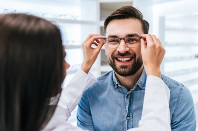 Superior Vision insurance eye doctors near Chicago accept coverage for eye exams, eyeglasses and contacts